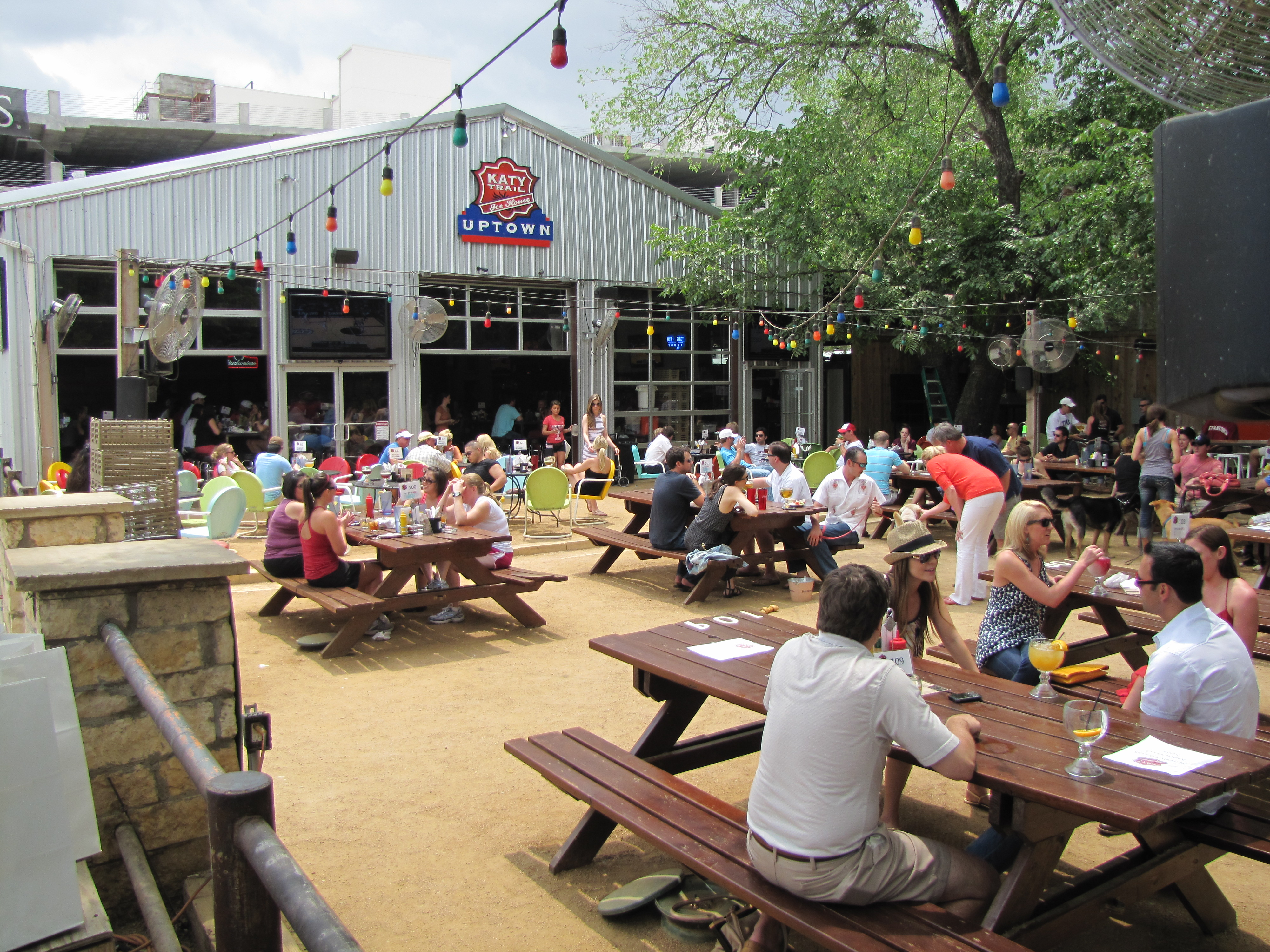 Katy Trail Ice House Has Awesome Barbecue | cravedfw Katy Trail Ice House