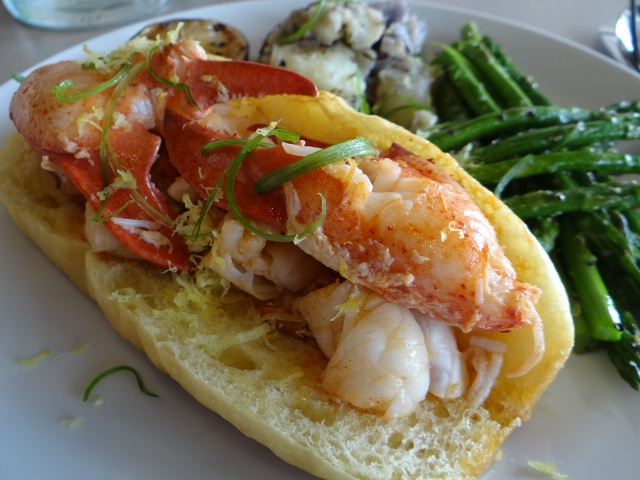Tj s has the best lobster roll in dallas cravedfw for Dallas fish market