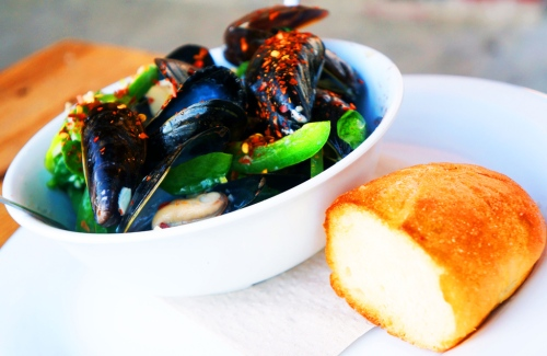 Green Room Mussels2