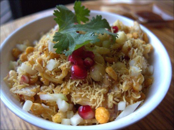 Chutney Puri. It was described on the menu as 'crispy shells with garbanzo, mung sprouts, mango chutney'