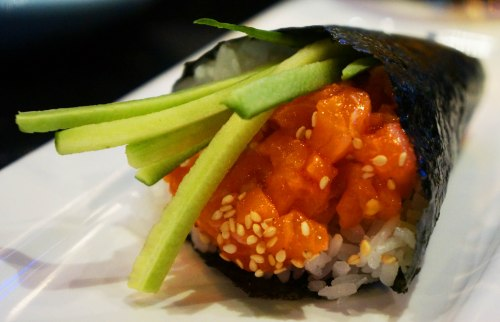 Spicy Salmon Handroll 4$