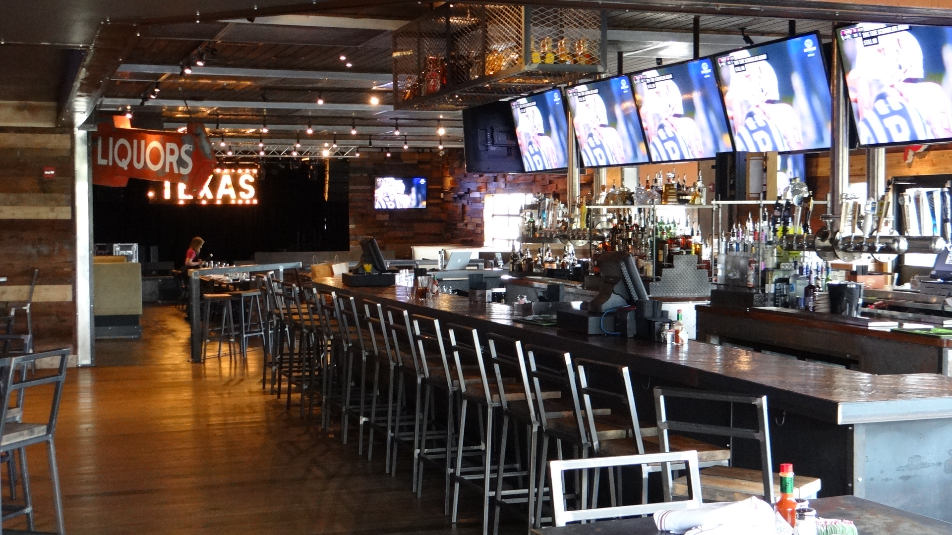 Gas monkey bar and grill open for biz cravedfw