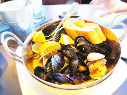 17 - Mussels and Clams at Amberjax