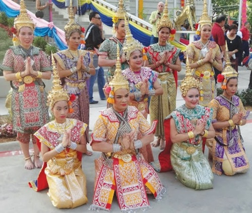 Thai dance group