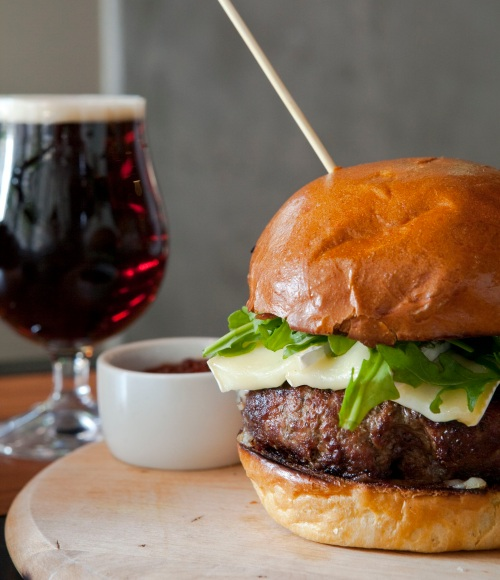 PS Burger Lamb w Brioche Bun w Red Ale Tulip