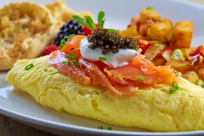 knifeSmoked Salmon and Caviar Omelette_PRESS