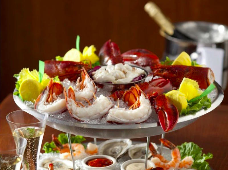 seafood-tower-capitol-grille