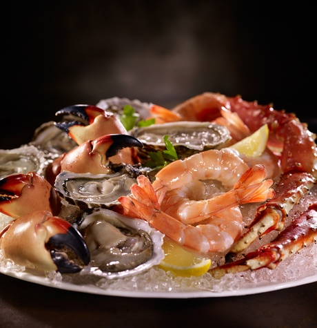 seafood-tower-del-frisco