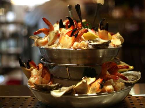 seafood-tower-pappas