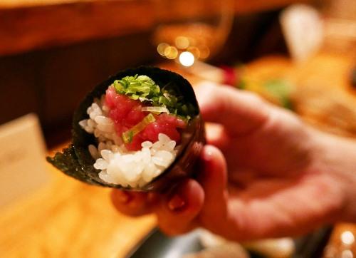 tuna-hand-roll