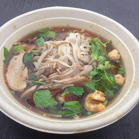 noodle duck rice noodle buddhist center