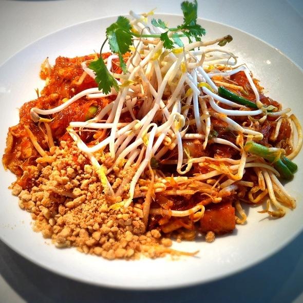 noodle pad thai woon sen asian mint