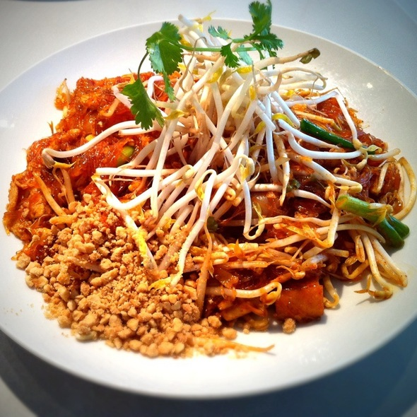 noodle pad thai woon sen asian mint