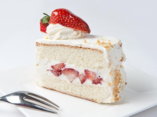 StrawberryShortcakeSlice_d0a343eb-d779-473c-b341-d7c0b0b706fc_580x@2x.jpg