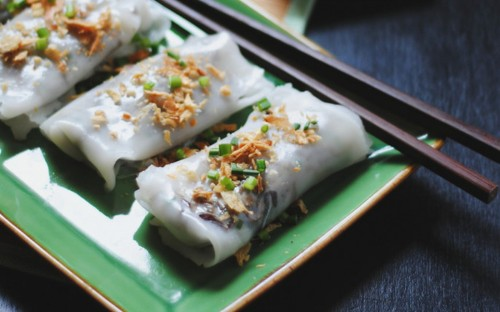 banh-cuon-chay-vietnamese-steamed-rolled-cakes-with-a-mushroom-filling.jpg